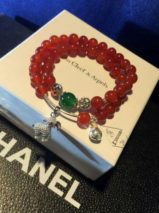 Japanese and Korean fashion Sterling Silver Goat natal essential red agate bracelet personalized birthday gift joker shipping(China (Mainland))