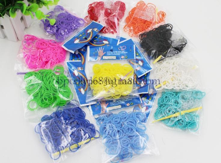new rubber band normal color loom bands 200pcs + 12 S clip + 1 hook 18 colors available(China (Mainland))