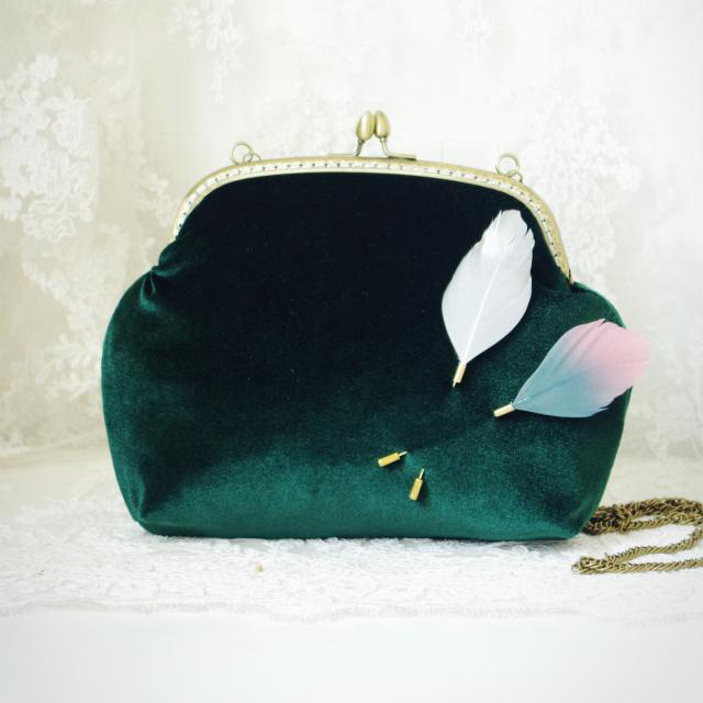 2016 Women Velvet Shoulder Bag Handmade Etsy Vintage Retro Feathers Formal Frame Chain Kiss Lock Cute Funky Green Purse Bag(China (Mainland))