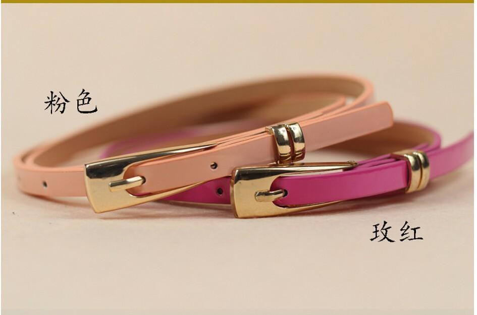 фото ремня тонкого с золотой пряжкой в розовом и бледно-розовом цвете
