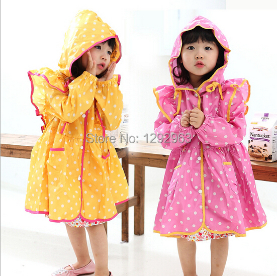 Free shipping latest new Korean wave point raincoat children raincoat cute raincoat yellow, pink is also an optional code(China (Mainland))