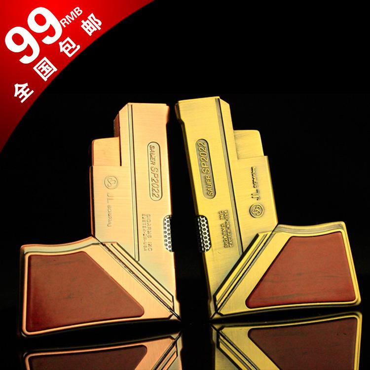 Deformation folding small toy model vs . 5 mini metal windproof lighter(China (Mainland))