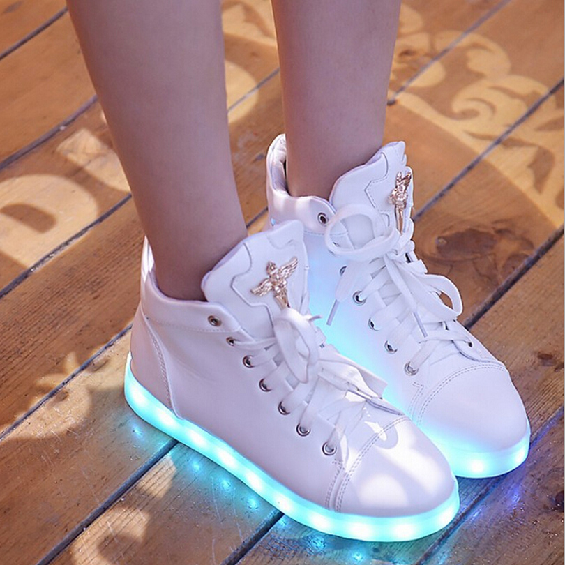 Гаджет  NEW!Glowing Casual Shoes High Top Light Up Female Shoes Women White Rhinestone Led Shoes Simulation 7colors Fashion Luminous None Обувь