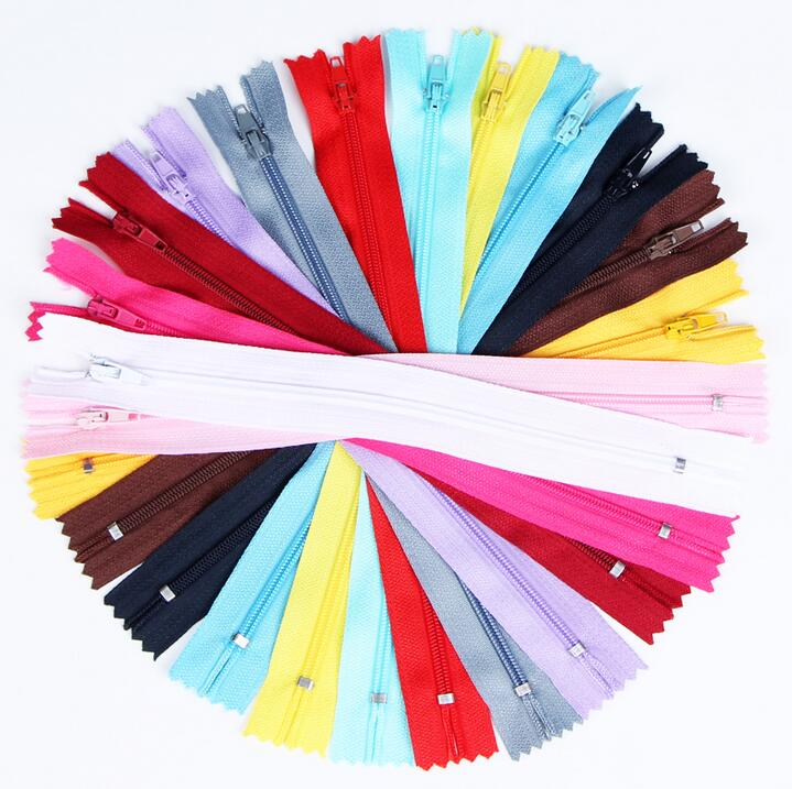 100 pcs/lot Nylon Tape Zip Coil Zippers Tailor Sewer Craft 9 Inch 20 cm Crafter's DIY Accessories for Sewing Clothing 13Colors(China (Mainland))