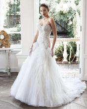 Amdml Glittering Swarovski Crystals Pearls Mermaid Wedding Dresses While Folds Tulle Bride Gown Voluminous Skirt Robe De Mariage(China (Mainland))