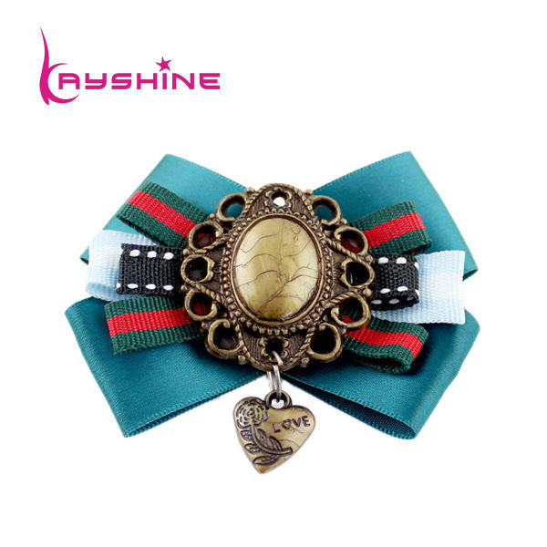 Vintage Style Fashion Jewelry Colorful Ribbon Flower Brooch With Carved Heart Charm In Brooches