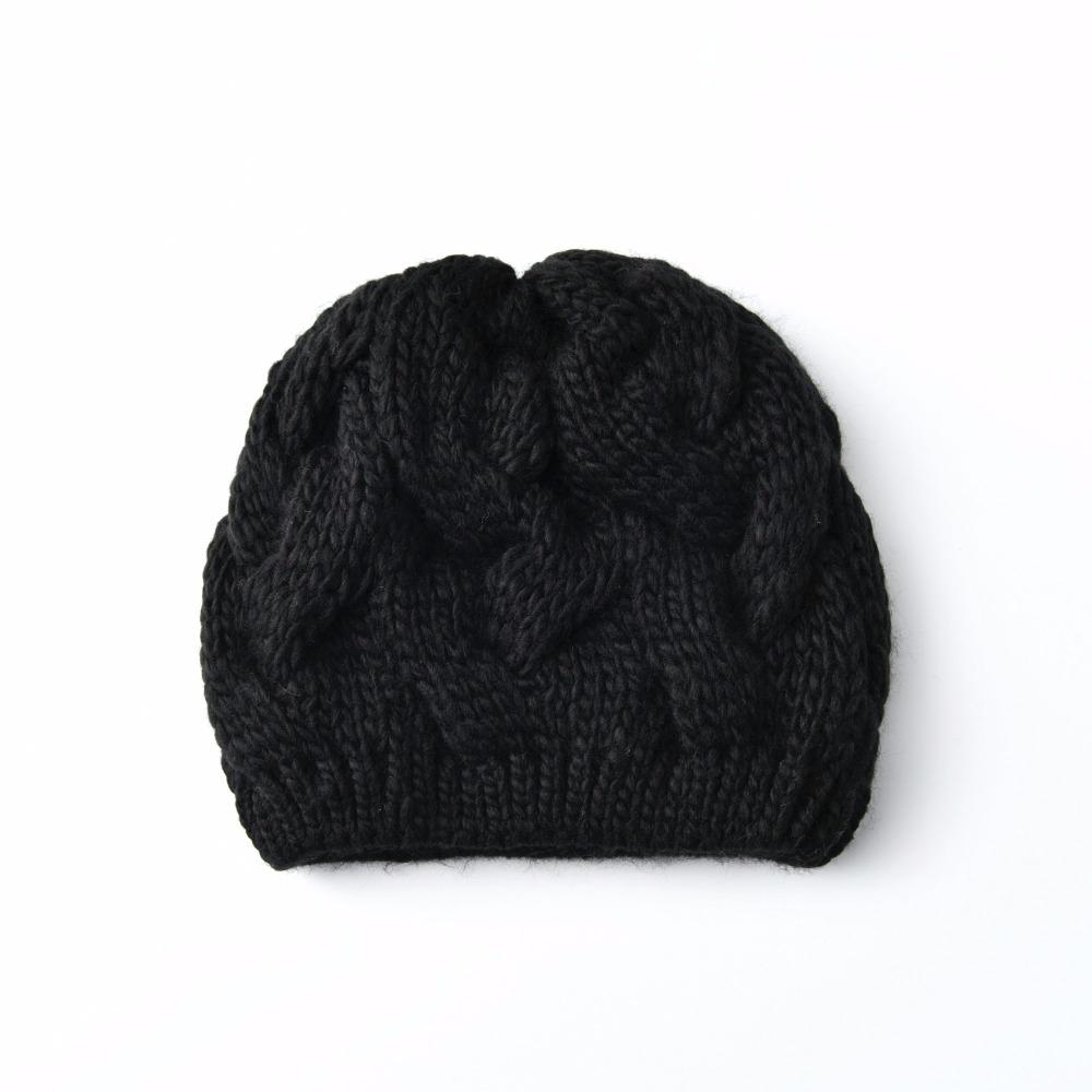KBBYTLY010073002-heartful-twist-winter-hat-beanie