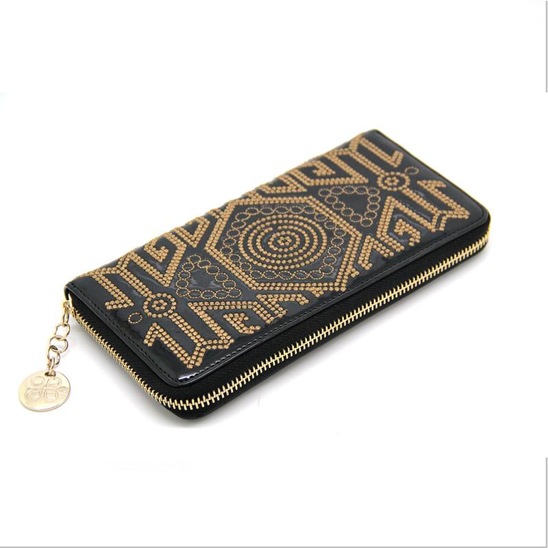 Здесь можно купить  2015 Factory Direct Genuine Leather Purses European And American Style Embroidery Womens Zipper Wallets v014  Камера и Сумки