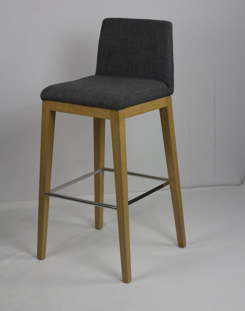 Mobilier design scandinave minimaliste ikea bois tabouret de bar chaises de bar restaurant bar for Chaises de bar en bois