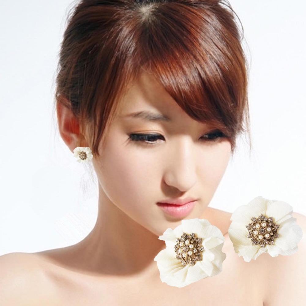 Wholesale Chiffon White Flower Stud Earrings Fashion Fairy Chiffon Flower Stud Earring Full Rhinestone Alloy Earrings for Women(China (Mainland))