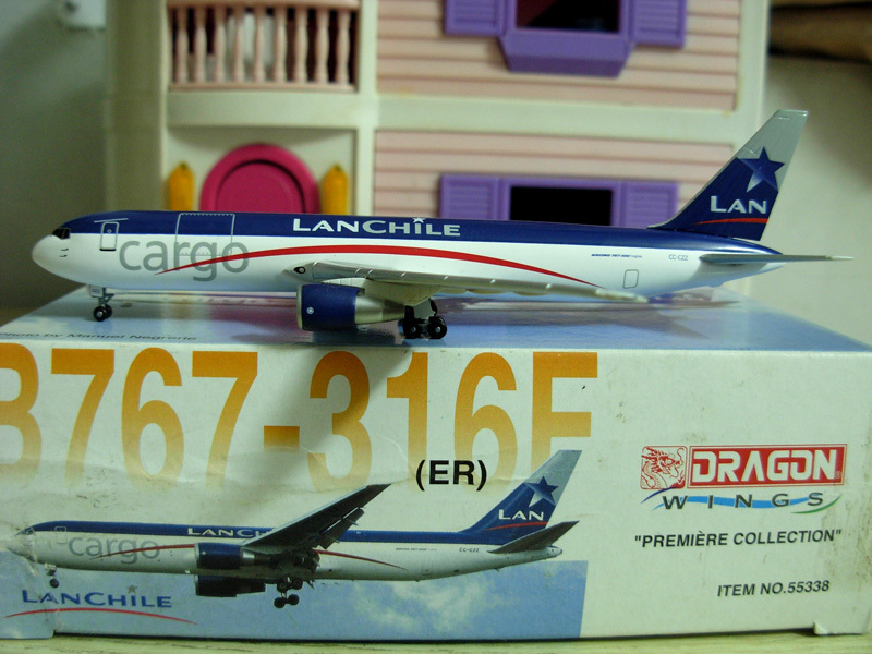 free shipping Dragon wings LanChile Lan airline B767-316F Cargo diecast model scale model 1:400(China (Mainland))