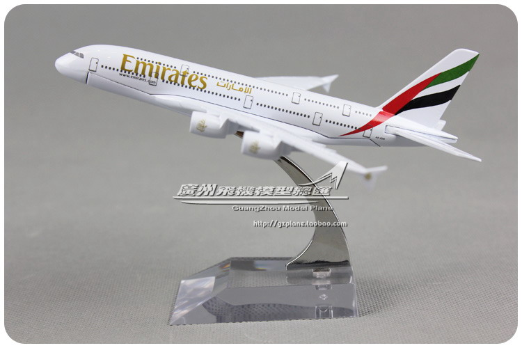 16cm 1:450 Emirates Plane Model Airbus A380 A6-EDB Airlines Alloy Airplane Model Kids Toy Gift Collections Free Shipping(China (Mainland))