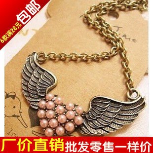 014 fashion vintage royal pearl necklace wings of love short design necklace pendant female