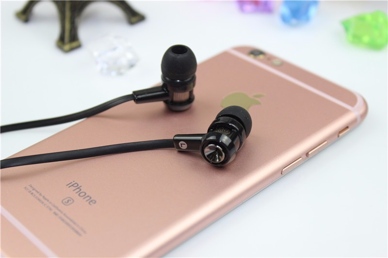 New 2016 Headphone Earphones headsets 3.5mm Super Bass stereo earbuds for mobile phone MP3 MP4 free shipping