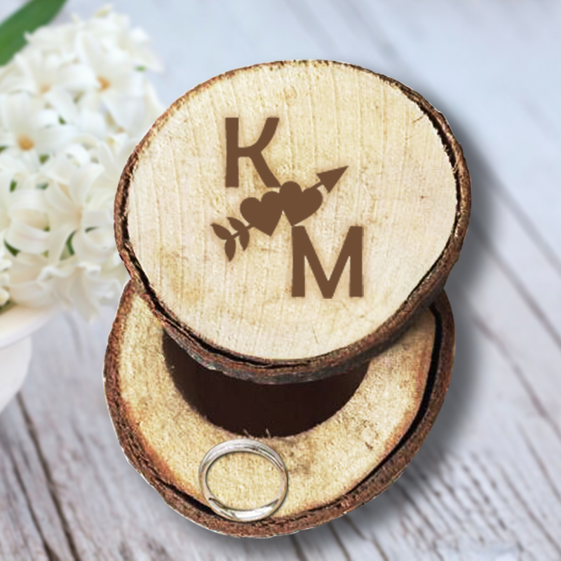 Custom An Cupid Arrow through the Heart Personalized Initials Wedding/Valentines Engagement Chic Wooden Ring Box Wedding Favors(China (Mainland))