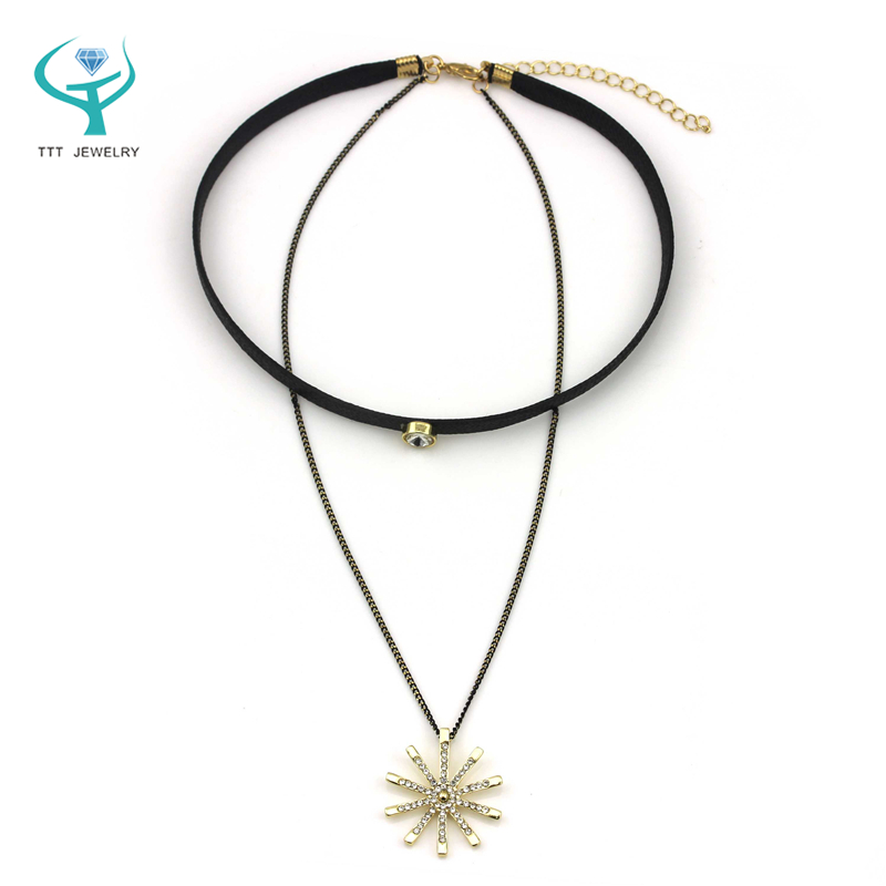 2016 Hot Fashion Gold Silver Triangle Black Faux Leather Crystal bead+alloy chain black leather clear crystal pendant necklace(China (Mainland))