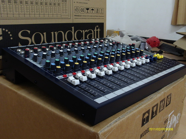 Hot selling Professional Sound Craft EPM12 12 Channel Console Mixing DJ karaoke music Power Mixer