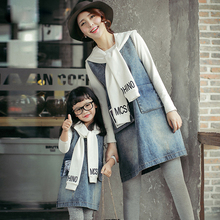 Matching Family Clothes 2016 Cotton Tee+Jeans Dress+Scarf Mother Daughter Outfits Preppy Style 3pcs Set Garment mae e filha