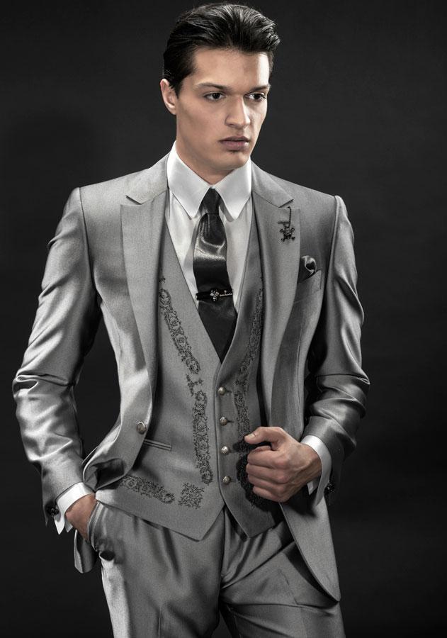 New Arrival Italian Silver Men Tuxedos Embroidery Wedding Suits For Men Notched Lapel Groomsmen Suit 3 Pieces Men Suits Slim