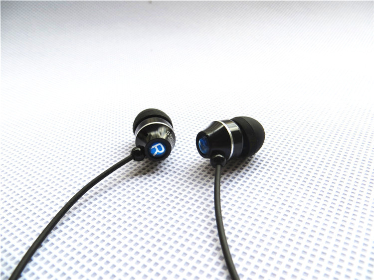 Top Sell Brand Super Bass 3.5mm Plug Metal Stereo in-ear Lenovo Headset Headphone Earphone Earbuds for IPOD/MP3 MP4 SONY Phones(China (Mainland))