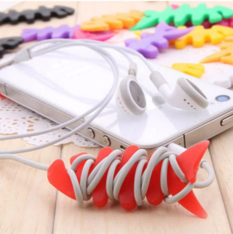 10pcs/Lot Fish Bones Style Color Cartoon Earphone Cord Cable Winder Fish bone Router Earphone Accessory Color Random Big Type(China (Mainland))