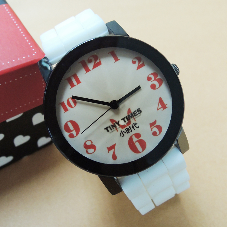 Гаджет  2014 fashion big dial number silicone watch sports watch wholesale men and women  None Часы