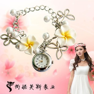 2014 Fashion New Brand Multicolor Cute Clay Flower Bracelet Watch,Fashion Girls Quartz Watch, Wristwatches, Women Dress Watches(China (Mainland))