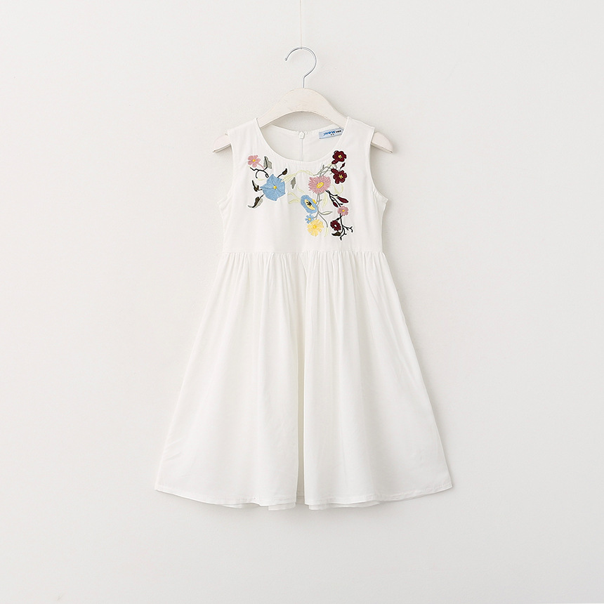 2016 New Girl Chest Embroidery Sleeveless Vest Dress Clothing Wholesale Wild Children Princess Dresses<br><br>Aliexpress