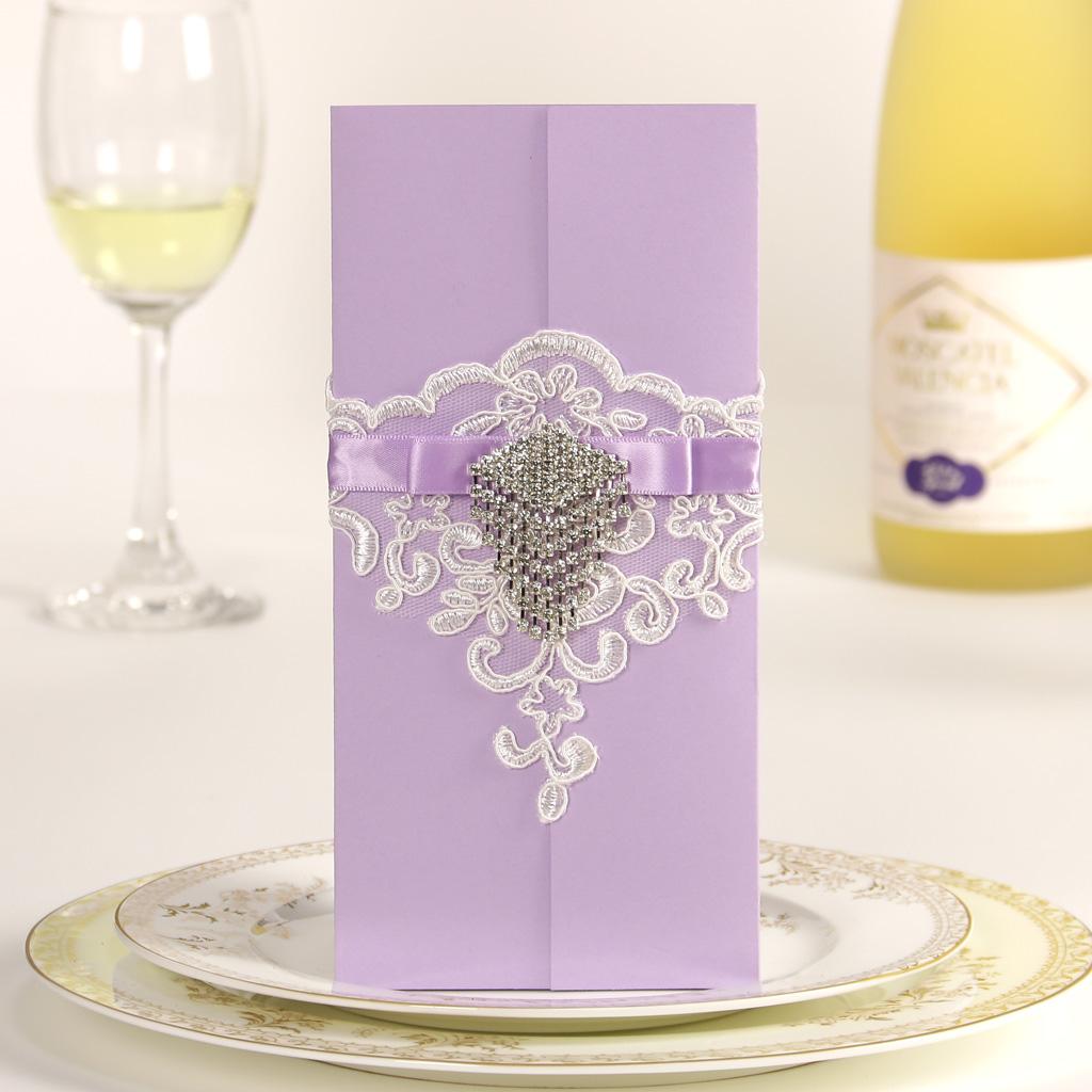 Púrpura de la boda temática
