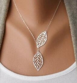 European and American fashion jewelry trend of retro metal leaf double leaf short necklace