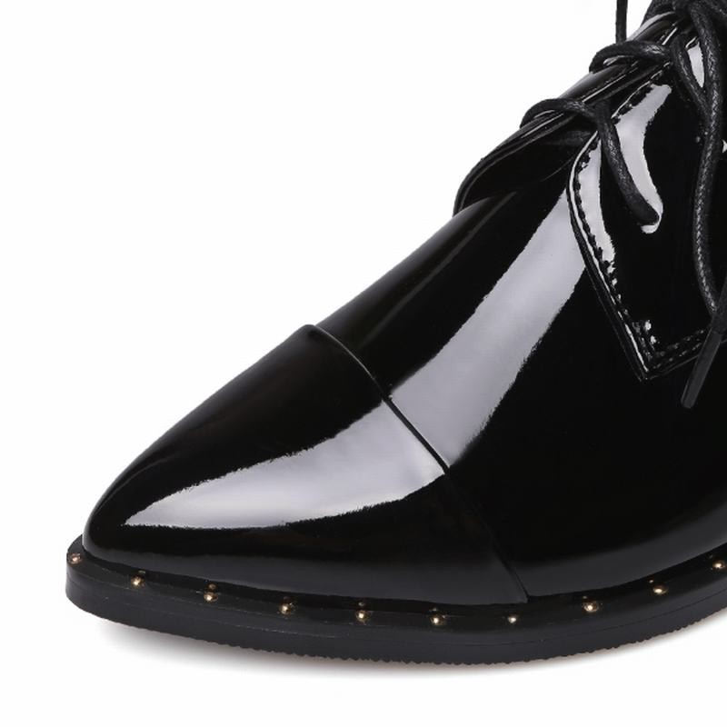 Should I Size Up For Pointed Toe Shoes