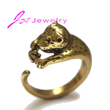Selling old gold seal hot monkeys wholesale jewelry factory in China women's unique adjustable ring is a computer
