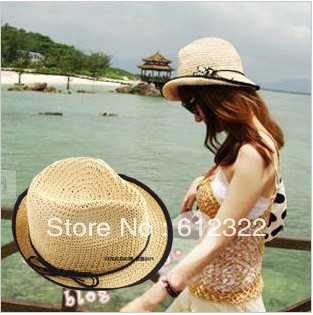 2013 summer fashion makes hot pepper mouth sun hat, sunbonnet, women straw hats fedora,kahaki beige and white, free shipping(China (Mainland))