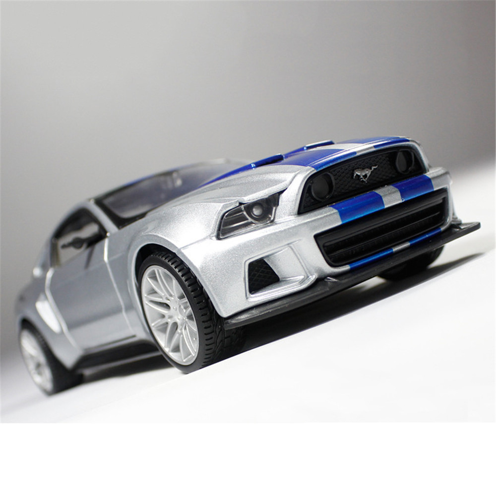 1/24 2014 Mustang GT500 Diecast Alloy Car Model Silver Three-door Ultra-simulation Display Base Genuine original Gift Collection(China (Mainland))