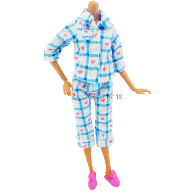 2 merchandise = 1 Pajamas Sleeping Outfit Shirt Pants Evening Clothes 1 Pink Rabbit Slippers Bed room Garments For Barbie Doll Toys Present