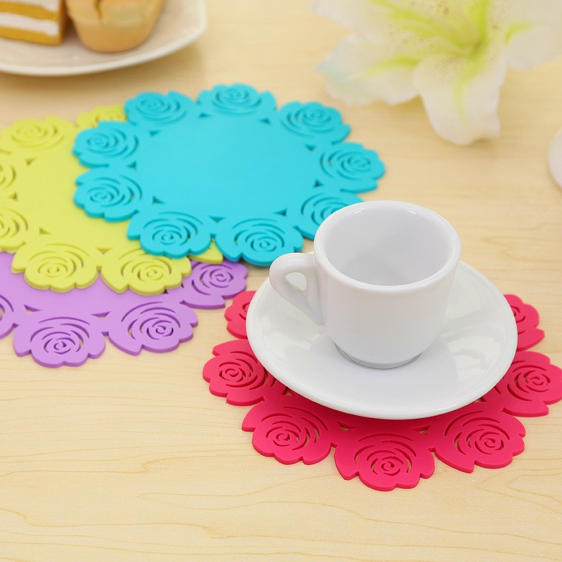 Silicone Coaster Retro Lace Flower Doilies Coffee Table Cup Mats Pad Placemat Kitchen Accessories Cooking Tools Hot Sale(China (Mainland))