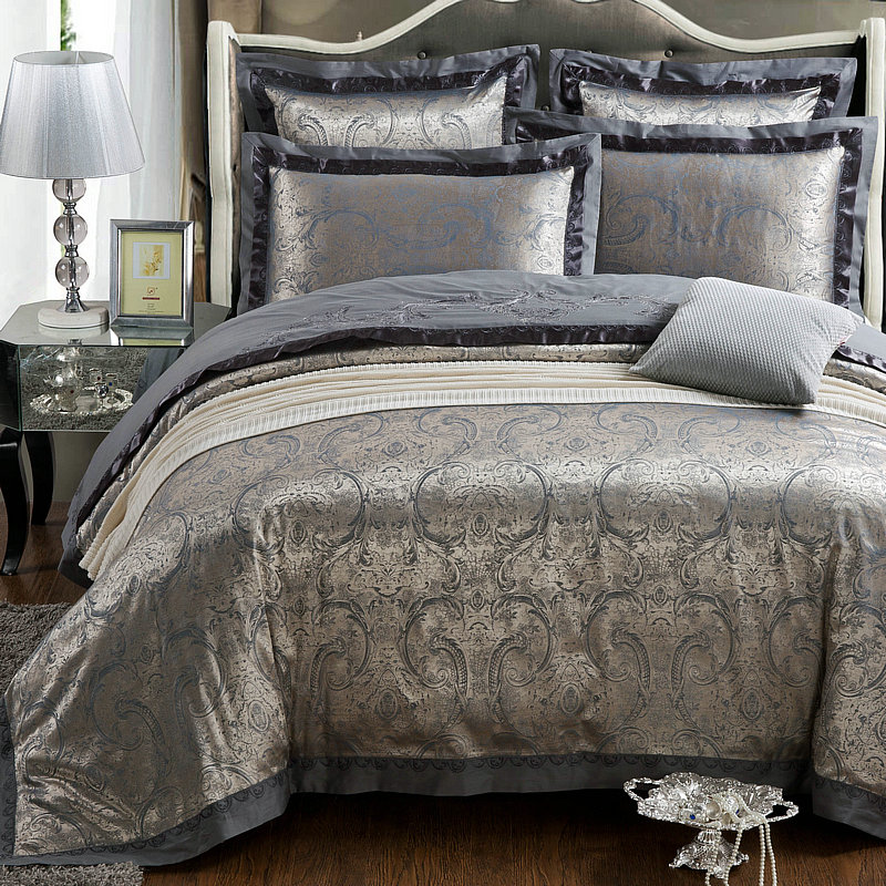 Winter home textile fashion bedding dark grey luxury silk jacquard beddings set designer 39 s bed for Designer linens and home fashions