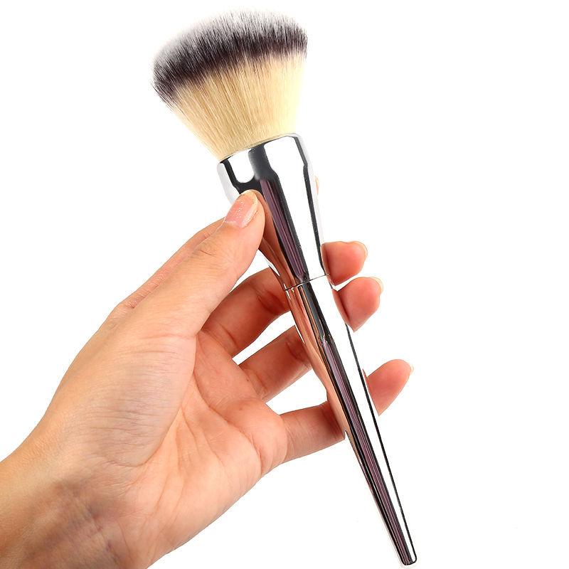 1pcs Hot Sale Face Makeup Blush Powder Electroplate Shining Silver color Handle Cosmetic Large Make Up Brushes Freeshipping(China (Mainland))