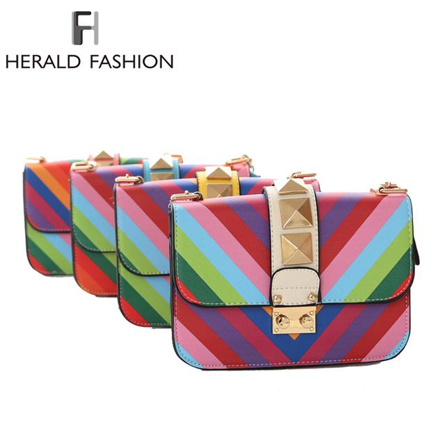 Заклепки сумки посыльного для женщин радуга цвет мини сумки на ремне с цепи девчушки дамы малых ну вечеринку щитка сумка Corssbody мешок