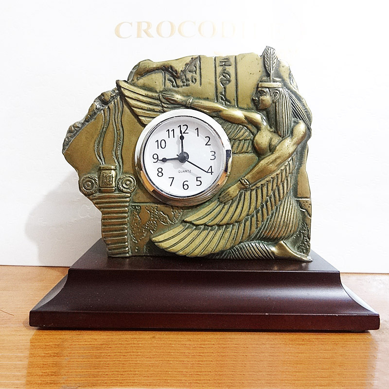 Free Shipping ashion Creative Sitting Room Quiet and Elegant Romance Retro Desk Clocks(China (Mainland))