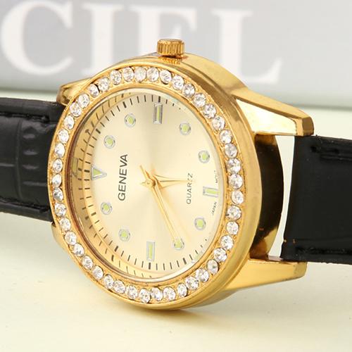 2015 new neutral wrist watch brand, diamond-encrusted high-end ladies watch, leisure outdoor men's watch, GENEVA leather watch(China (Mainland))