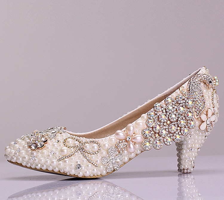 2016 Luxury Beautiful Middle Heels Shoes Rhinestone Bridal Shoes Crystal Performance  Popular Formal Shoes