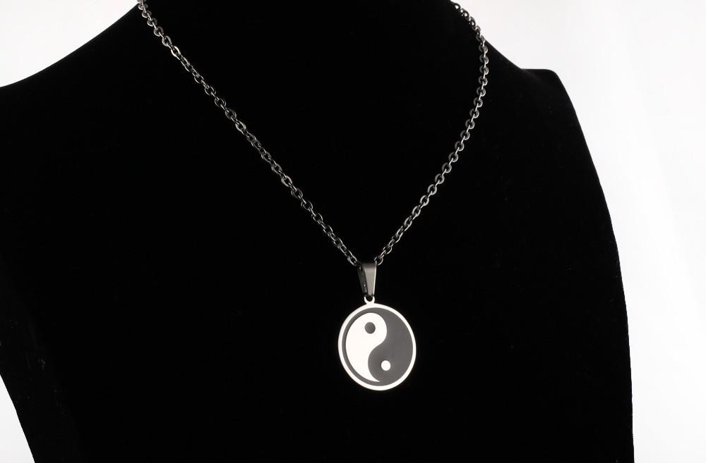 GX959-(14) pendant necklaces