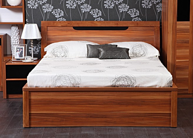 Yap Wooden House Wood Panels Combined With High Box Bed