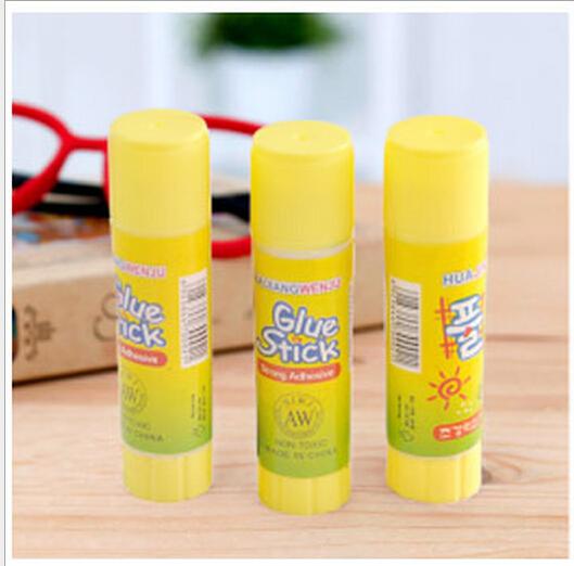 Гаджет  South Korea stationery glue stick wholesale Korea brand stationery Super Viscous super good None Офисные и Школьные принадлежности