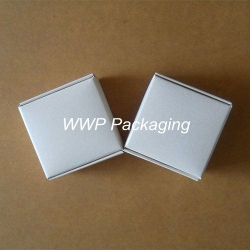 Pearl White 4*4*2cm Smart Gift Kraft Paper Box 20Pcs/ Lot Boutique Rings Clothes Buttons Small Cardboard Party Events Pack Boxes(China (Mainland))