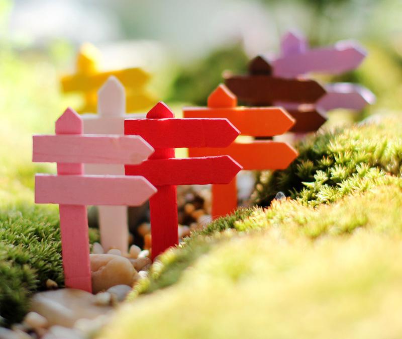 10pcs Mini Fence Wood Craft Crafts Miniature garden decoration flatback cabochon Potes Accessories Bonsai Terrarium Figurine(China (Mainland))