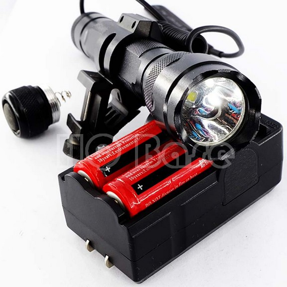 1220 lumen CREE LED RECHARGE Weapon Tactical Light Weaponlight + Weaver/Picatinny Rail Mount + Clickie & Pressure Pad +Belt Clip(China (Mainland))