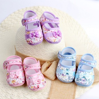 Free shipping Neonatal Crib Shoes 2015 Girls Bow Flowers Baby Shoes 3 size spring autumn children's footwear 6601
