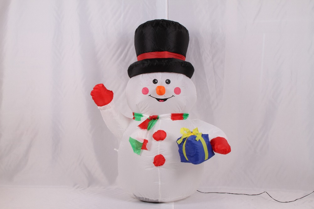 2017 New Arrive 1.8M Inflatable Christmas Snow Man with Gift Bag in High Quality for Festival Decoration(China (Mainland))